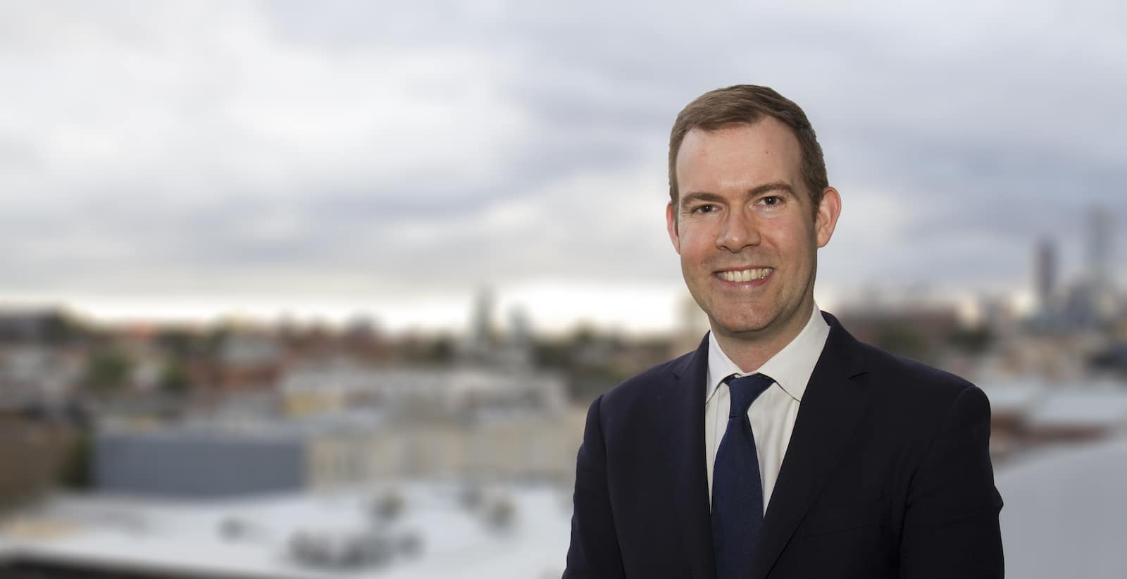 Dr Nathan Kerr is one of Melbourne's best cataract surgeons
